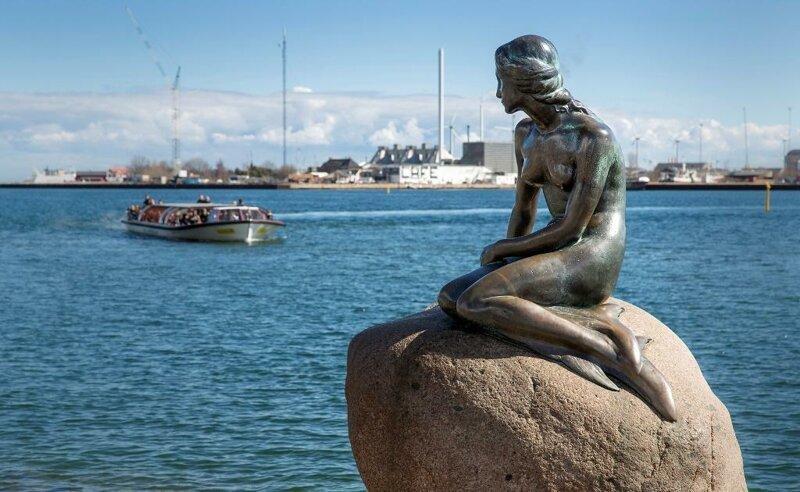 Статуя Русалочки в Копенгагене является копией. достопримечательности, интересное, фотографии