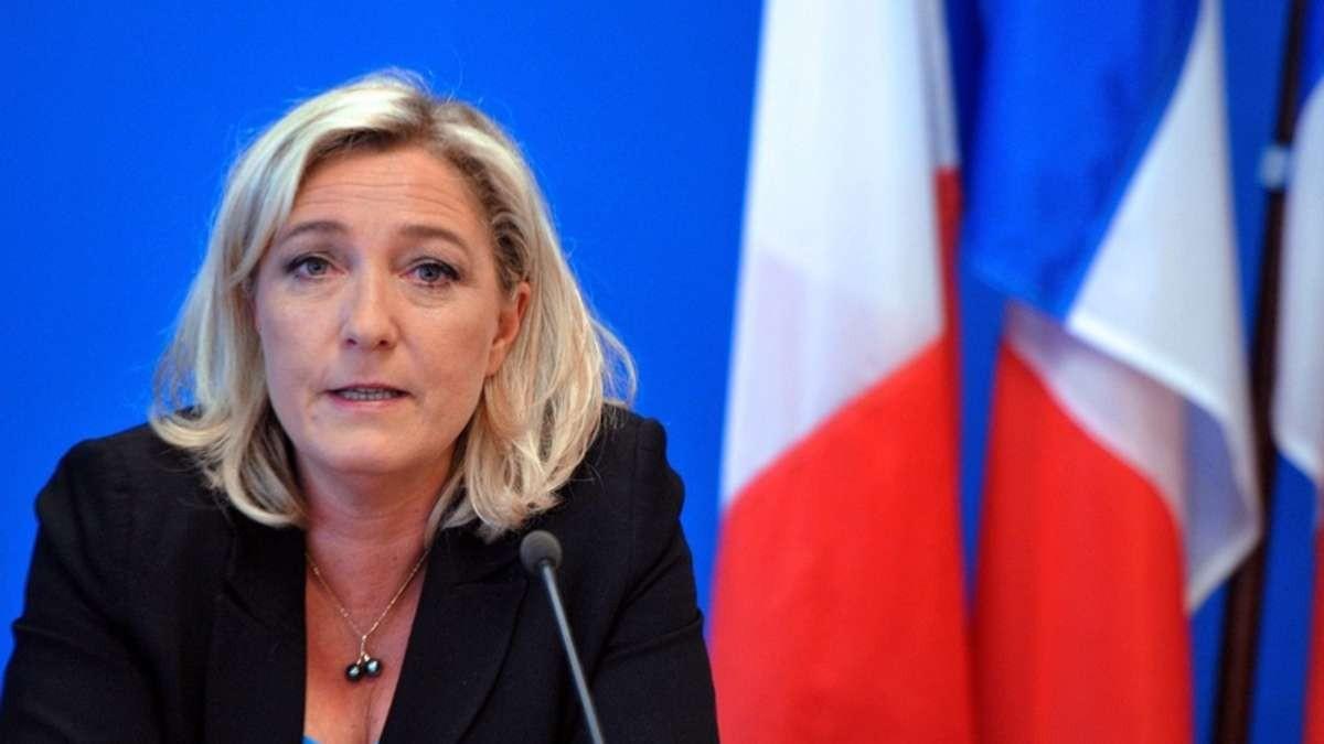 Российское Агентство по страхованию вкладов принуждает Марин Ле Пен вернуть долг по кредиту