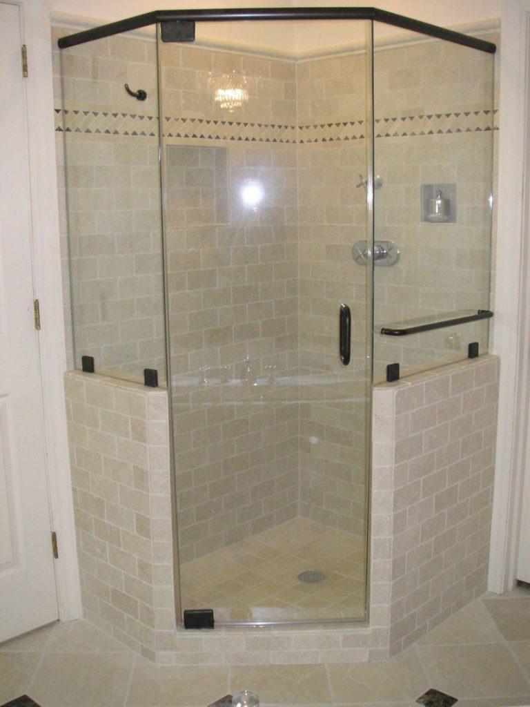 Как почистить ванные занавески и дверцы душевой кабины