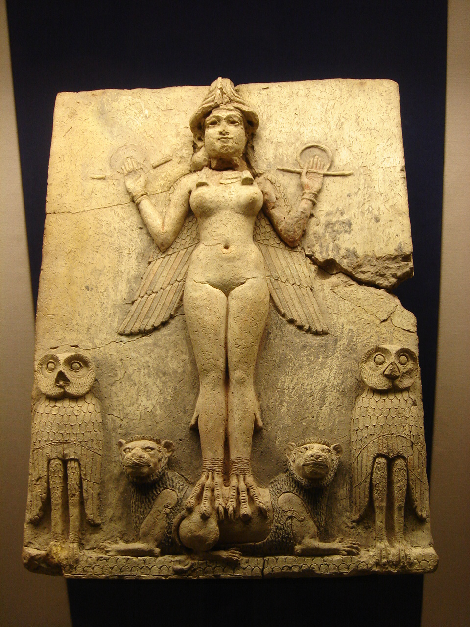 http://upload.wikimedia.org/wikipedia/commons/8/80/Queen_of_the_Night_%28Babylon%29.jpg?uselang=ru