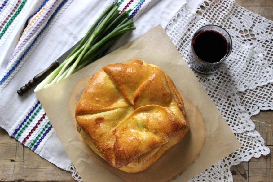 Plăcinte «poale-n brîu» - плацинды «поале-н брыу»