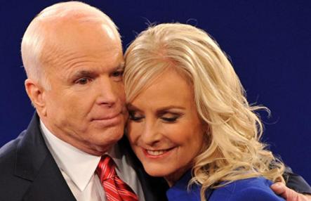 Наблюдать за выборами на Украине приехала вдова Маккейна