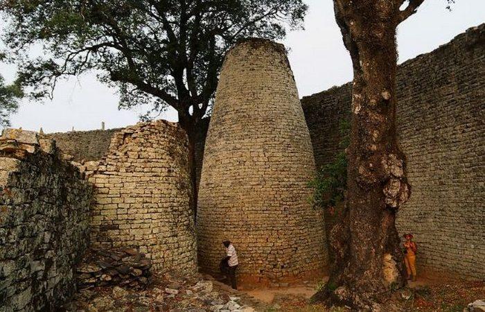 Средневековый африканский замок.