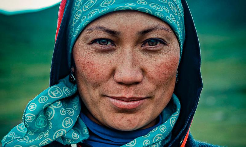Искренняя улыбка и пронзительный взгляд жителей Кыргызстана в объективе ливанского фотографа