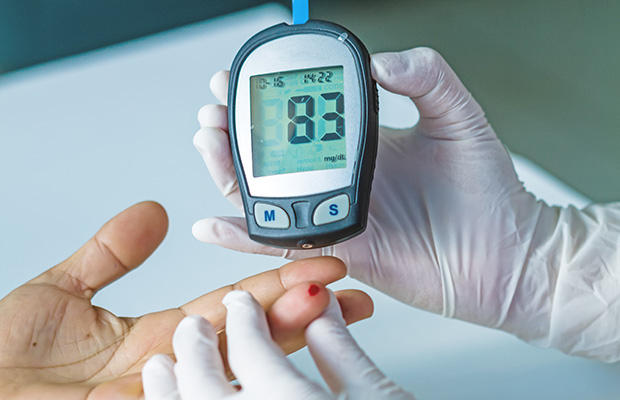 shutterstock_267975020-blood-sugar-pittawut_0
