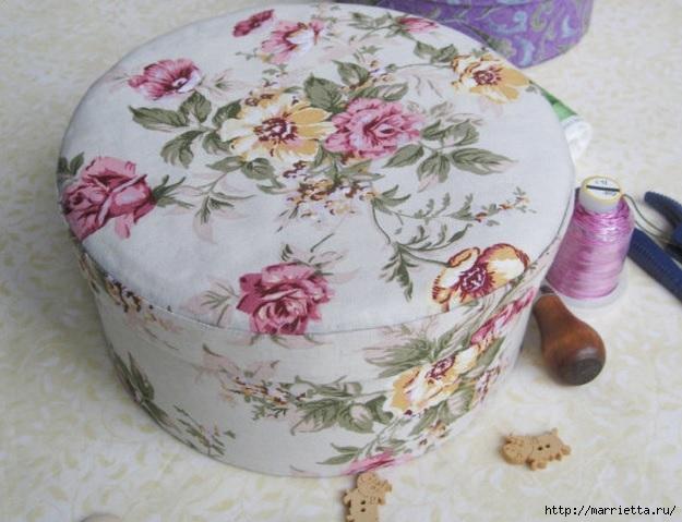 Круглая шкатулка из ткани и …