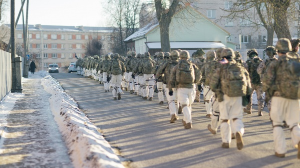 ПоЛатвии прошли военные НАТО: жителей попросили небеспокоиться