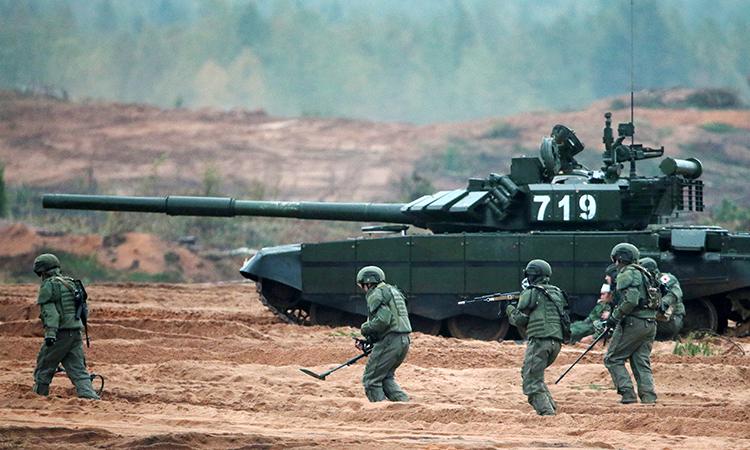 Ушли от реальности в своих фантазиях: Американские танкисты назвали «Армату» слишком навороченной