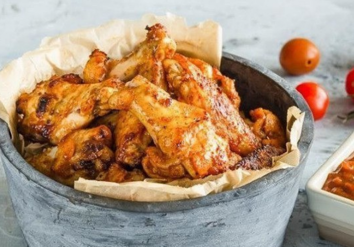 Рецепт для лучшего пикника: Куриные крылышки на гриле с домашним соусом