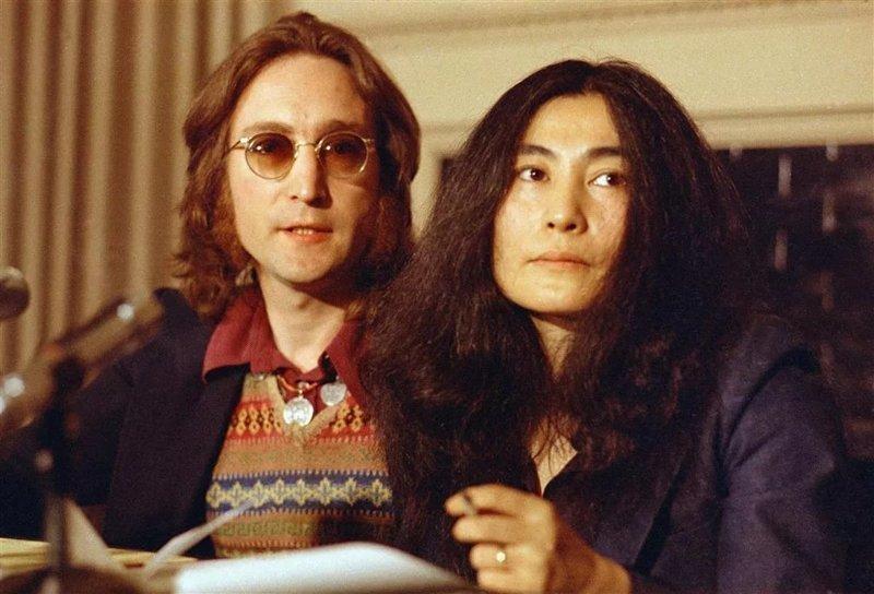 Она разрушила The Beatles. История любви Джона Леннона и Йоко Оно