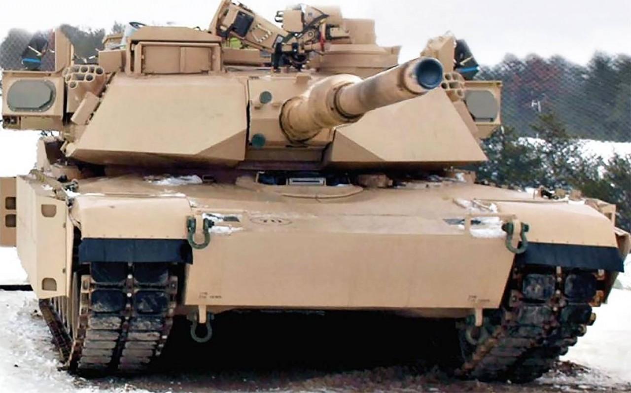 Танк M1A2 SEPv2 Abrams с комплексом активной защиты Trophy