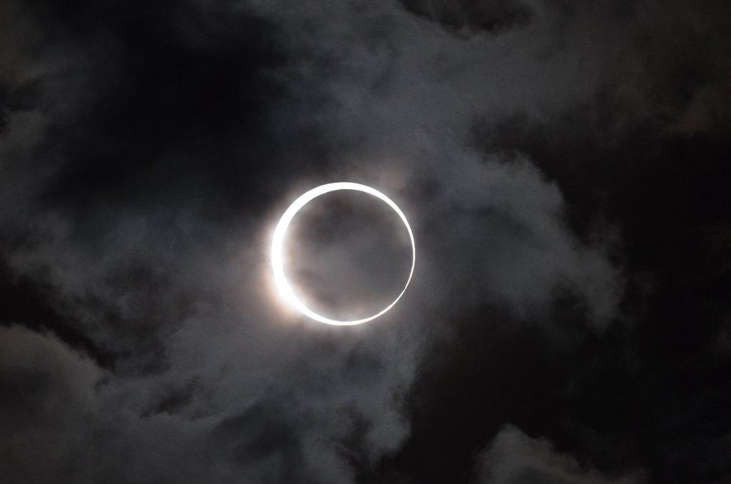 Затмение в HD: NASA будет вести прямую трансляцию солнечного затмения США