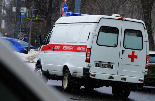 Машина скорой помощи наехала на пешеходов в Москве
