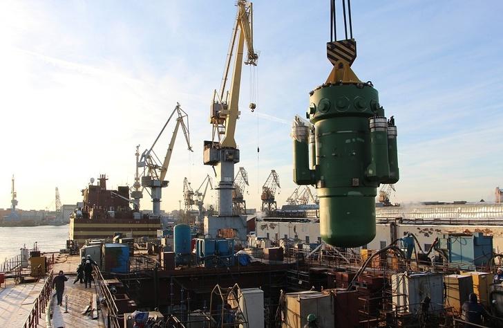 """На ледокол """"Сибирь"""" установлен атомный реактор"""