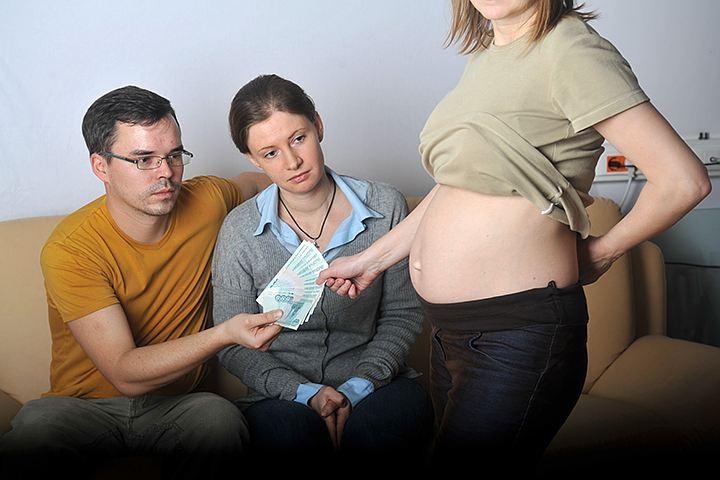 СМИ узнали о возможном запрете суррогатного материнства в России