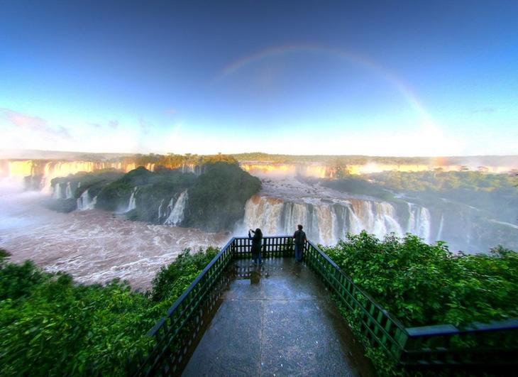 Водопады Игуасу на рассвете. Бразилия, Аргентина. Фото