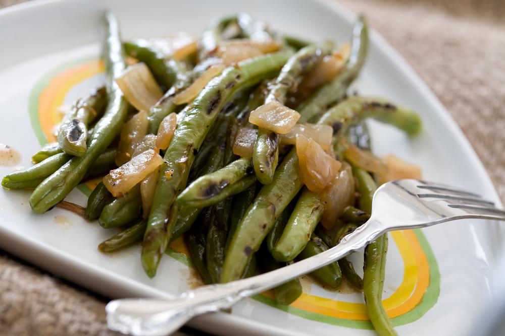 Стручковую фасоль можно сочетать практически со всеми овощами