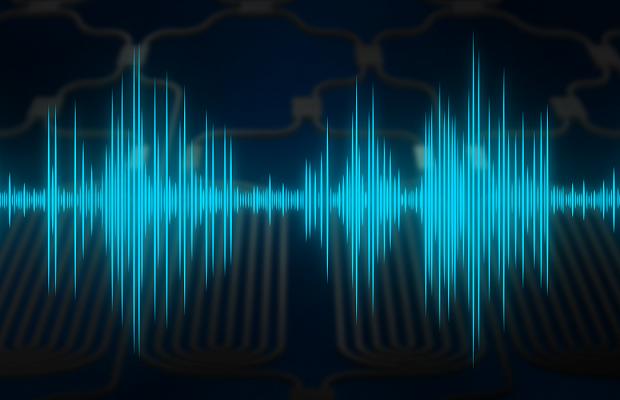 Физики выяснили, как быстро можно передавать информацию внутри нанофотонных микропроцессоров