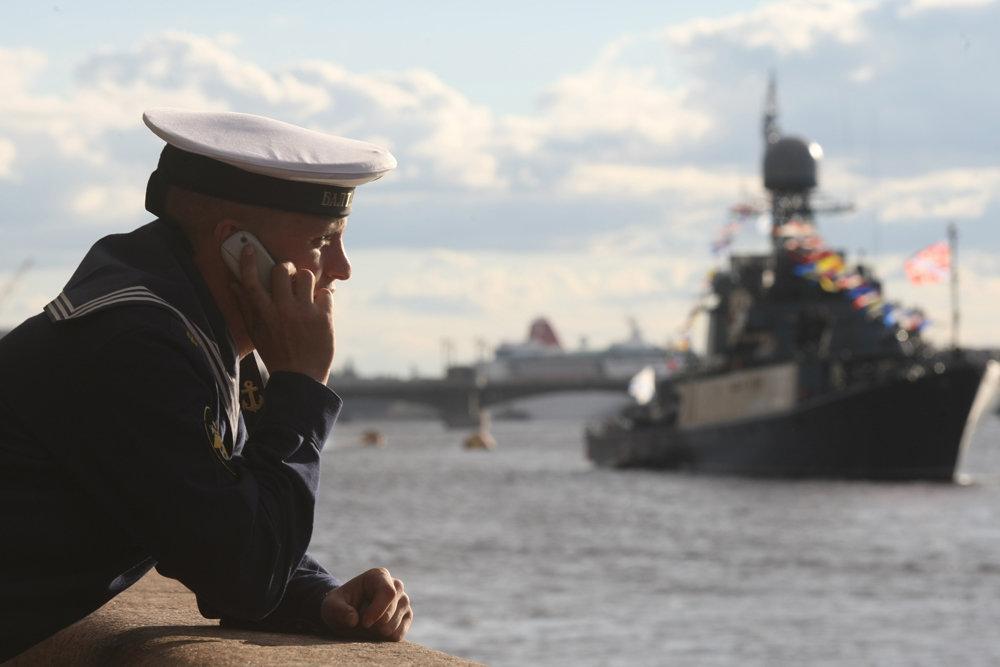 На кораблях ВМФ России будут служить только контрактники
