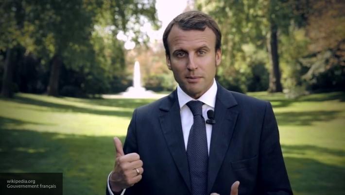 Макрон назвал главные темы разговора с Путиным в Версале