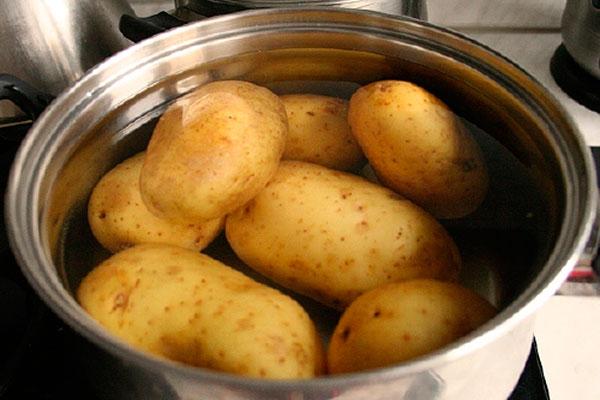 Как сделать молодую картошку в мундире