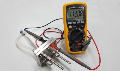 Протонные батареи эффективно используют дешевый углерод вместо лития