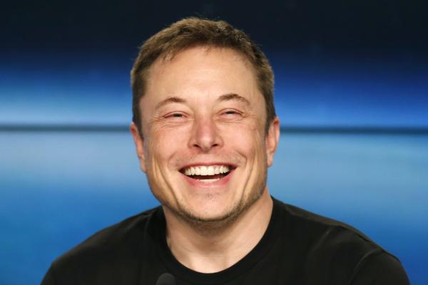 Илон Маск заставил Дарта Вей…