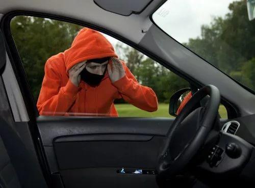 Автоэксперты назвали ТОП-5 ошибок, ведущих ко взлому автомобиля