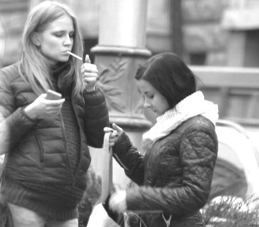 Слабоумие и тупость — отвратительное поведение современных мамочек в фото