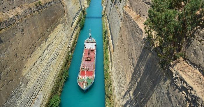 Как выглядят самые узкие судоходные каналы
