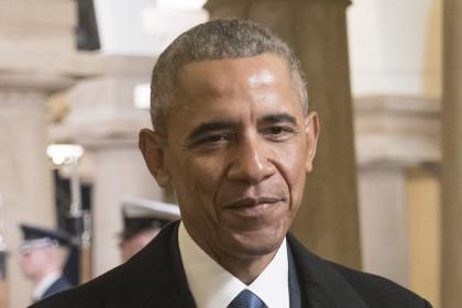 Обама поддержал протесты против указов Трампа