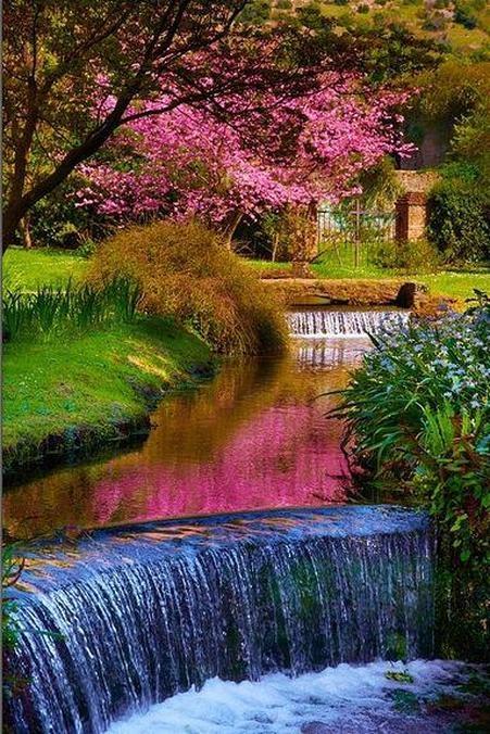 Сад Нинфа в Италии