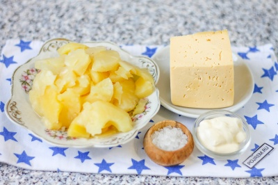 Салат из ананасов и сыра