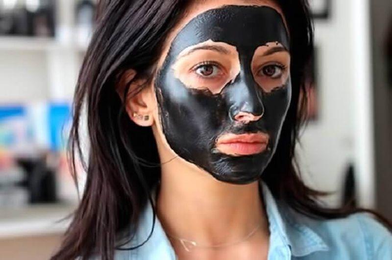 Рецепты черной маски для лица из активированного угля в домашних условиях