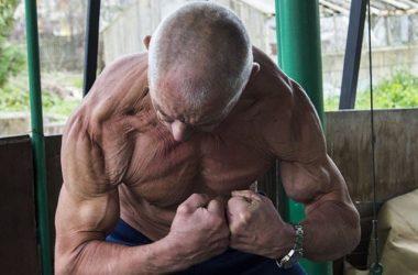 В свои 70 лет он выглядит максимум на 50! Вот что говорит о своих привычках седой бодибилдер из Беларуси…