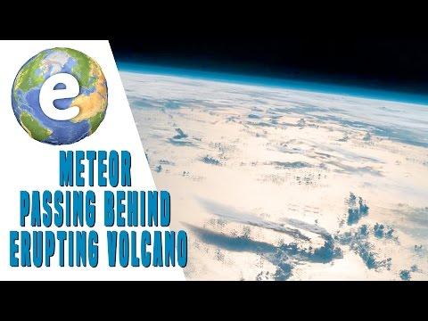 Во время извержения вулкана Турриальба корабль пришельцев высадил неизвестный десант