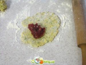 Сырные пирожки с мясом - приготовление