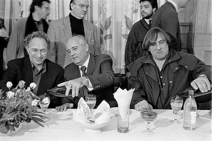 Михаил Горбачев - любитель сыров.