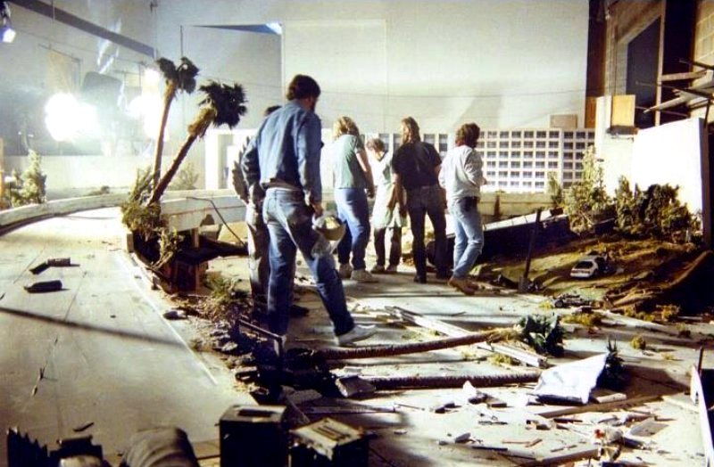 Апокалипсис своими руками: как Кэмерон снимал ядерный взрыв для фильма «Терминатор 2»