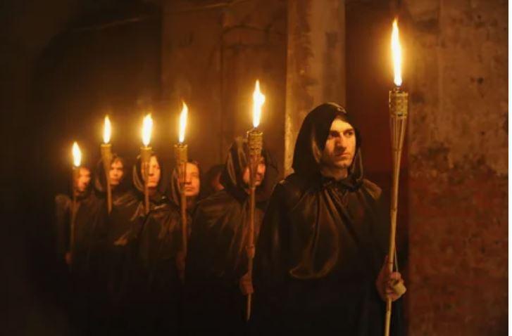 Маккейн в гробу переверчивается: сатанисты проведут обряды в месте, где учился политик