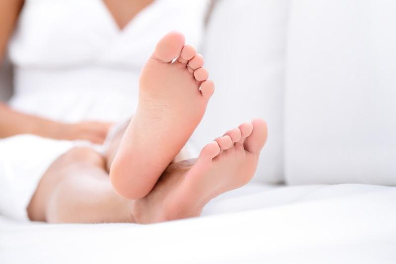 зачем спать в носках