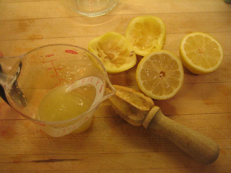 Вода с лимоном натощак как альтернатива многим лекарствам