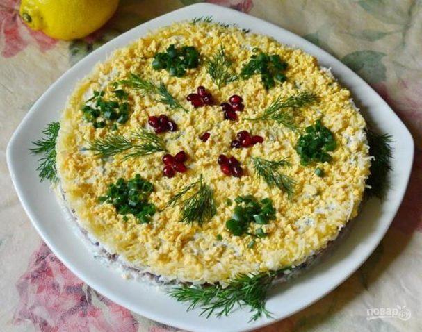 Рисовый салат с печенью трески