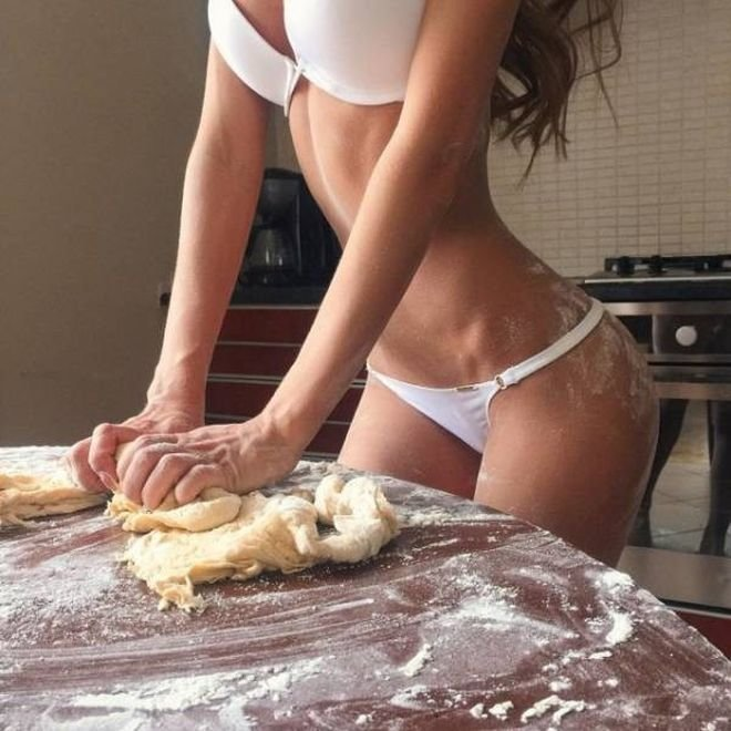 Когда зашел на кухню и забыл, что голоден девушки, кухня, фото