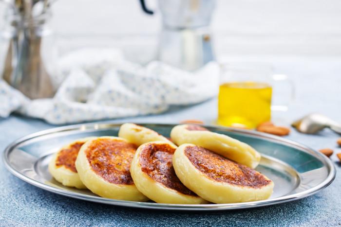 Картинки по запроÑу Банановые Ñырники к завтраку: нежные и ароматные