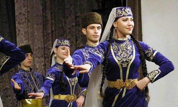 Жизнь семьи крымских татар п…