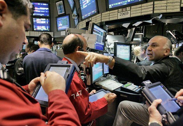 Рынок нефти: трейдеров радуе…