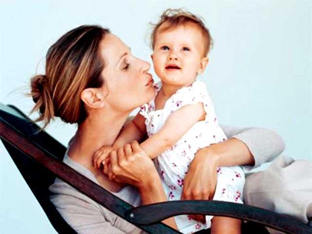 Стоит ли носить на руках малыша или нам не страшен ручной ребенок