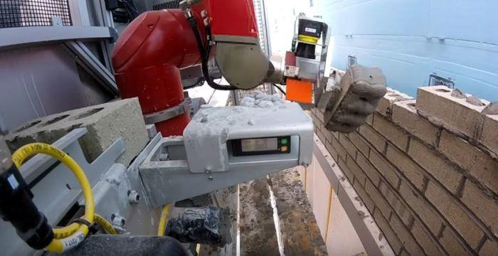 «Восстание машин»: американцы создали робота-строителя, который уволит всех каменщиков
