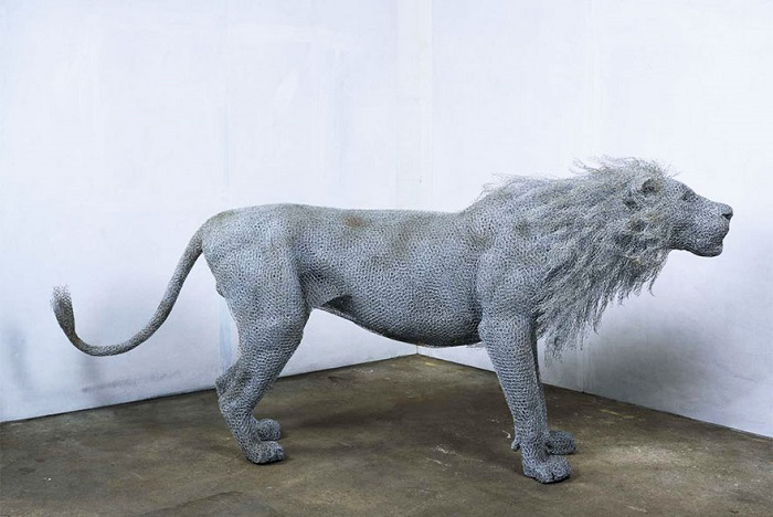 Лев из проволоки от Kendra Haste.